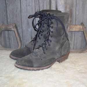 Vintage Shoe Company gray suede lacer boots 8.5 M